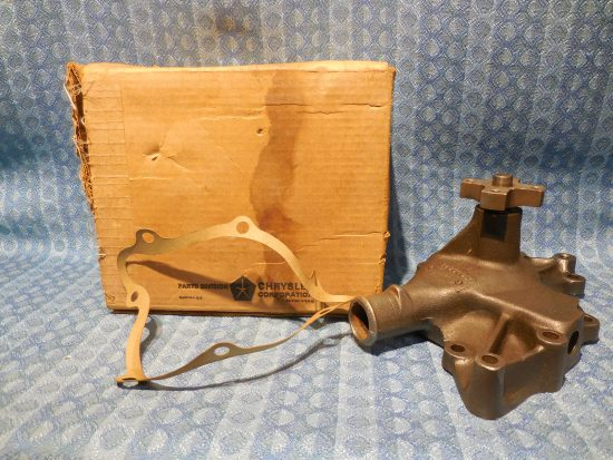 1969 Barracuda Road Runner Dodge Plymouth V8 NOS Mopar Water Pump # 3004 763