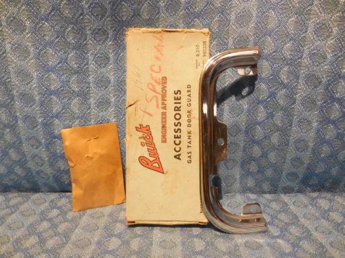 1961-1962 Buick Special & Skylark NOS Fuel Gas Tank Door Guard #980208